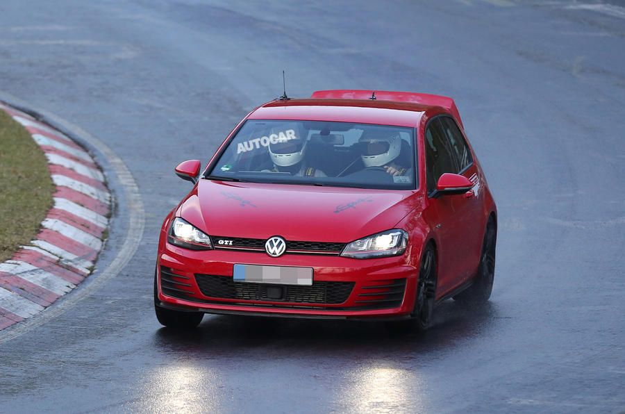 New super GTI Volkswagen Golf spotted