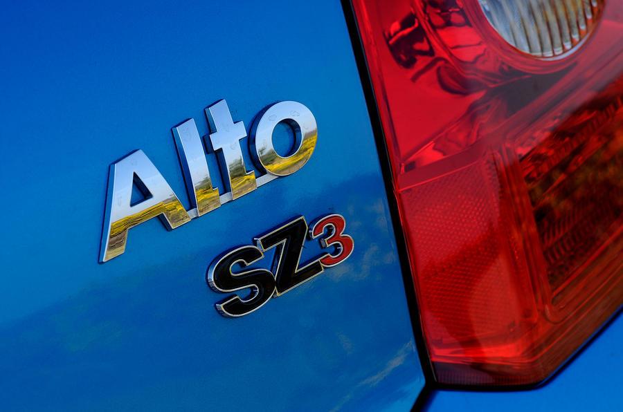 Suzuki Alto badging