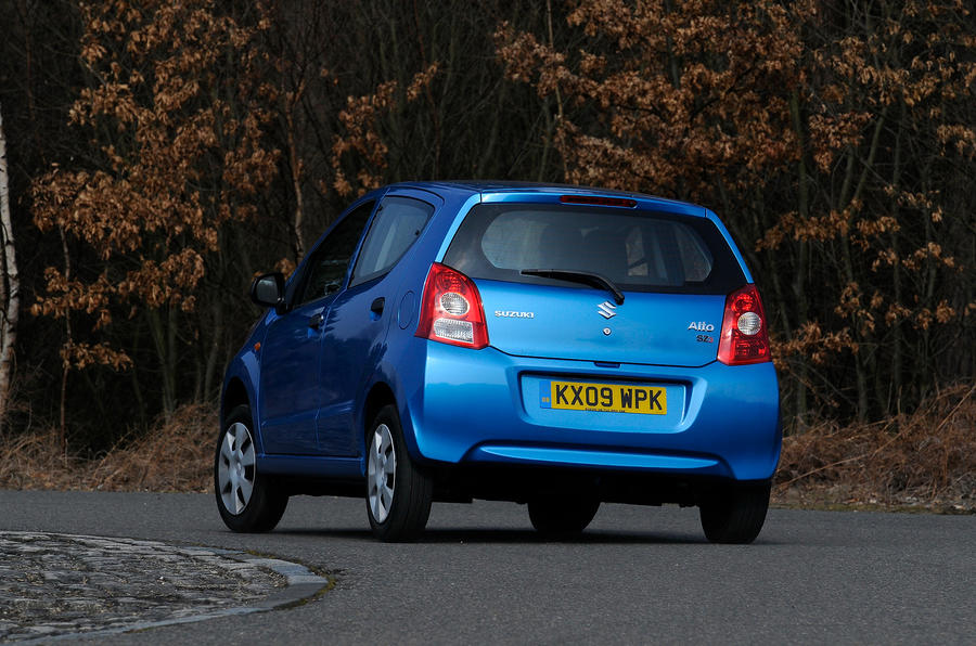 Suzuki Alto rear cornering