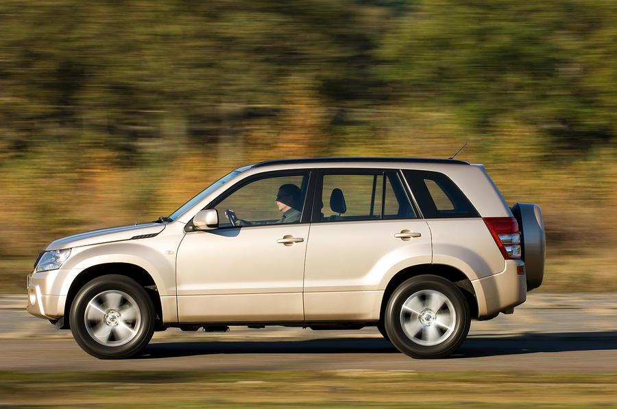 Suzuki Grand Vitara side profile