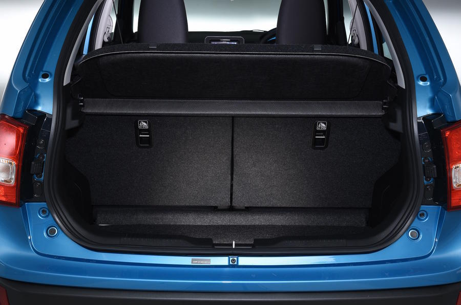 Suzuki Ignis boot space