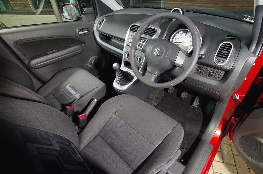 Suzuki Splash interior