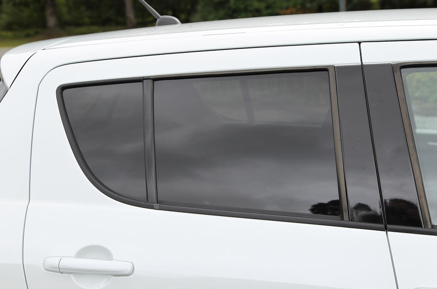 Suzuki Swift rear tinted glass