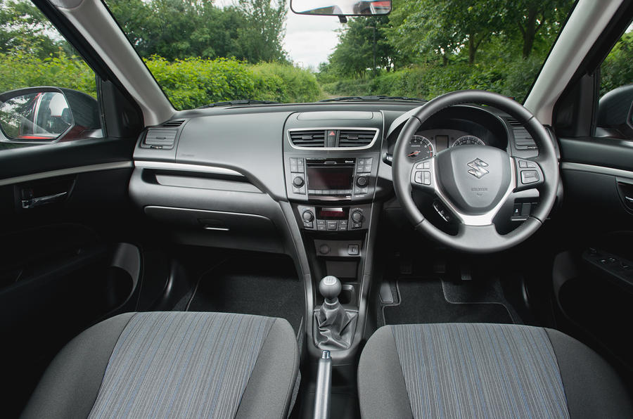 Suzuki Swift 4x4 dashboard