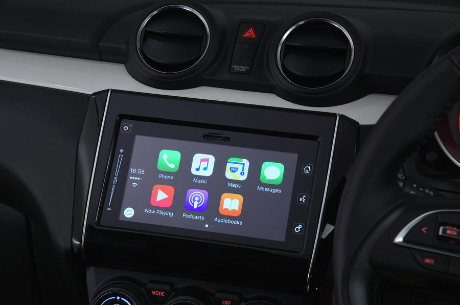Suzuki Swift Apple CarPlay connectivity