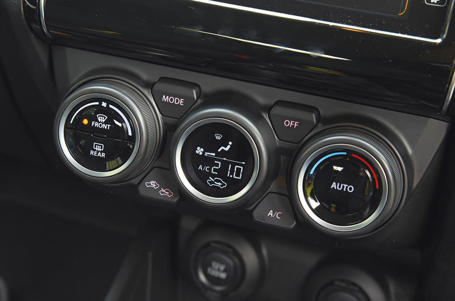 Suzuki Swift climate controls