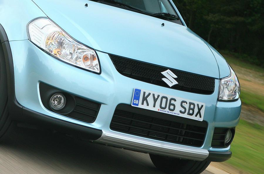 Suzuki SX4 front grille