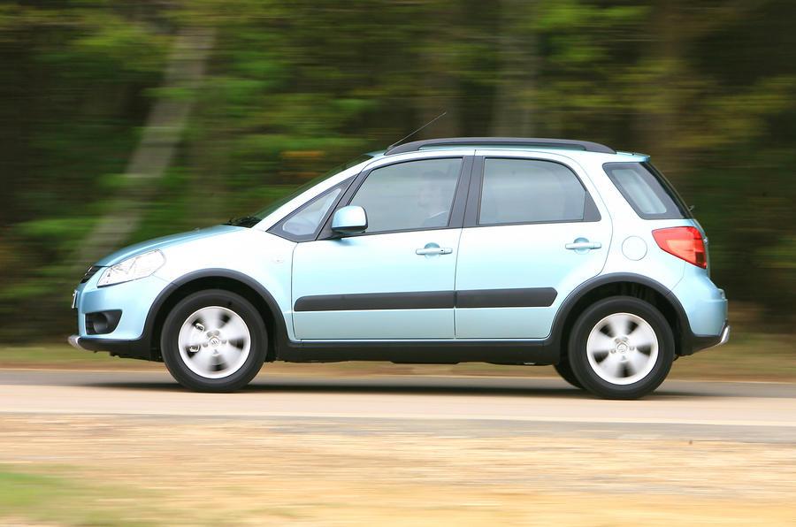 Suzuki SX4 side profile