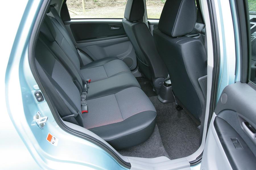 Suzuki SX4 rear seats