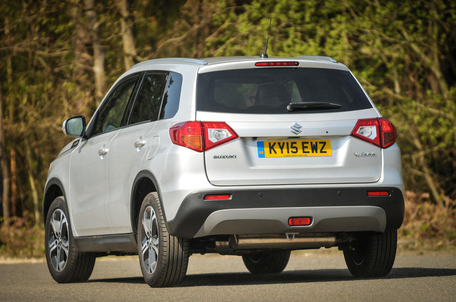 With the Suzuki Vitara regulating the body roll nicely