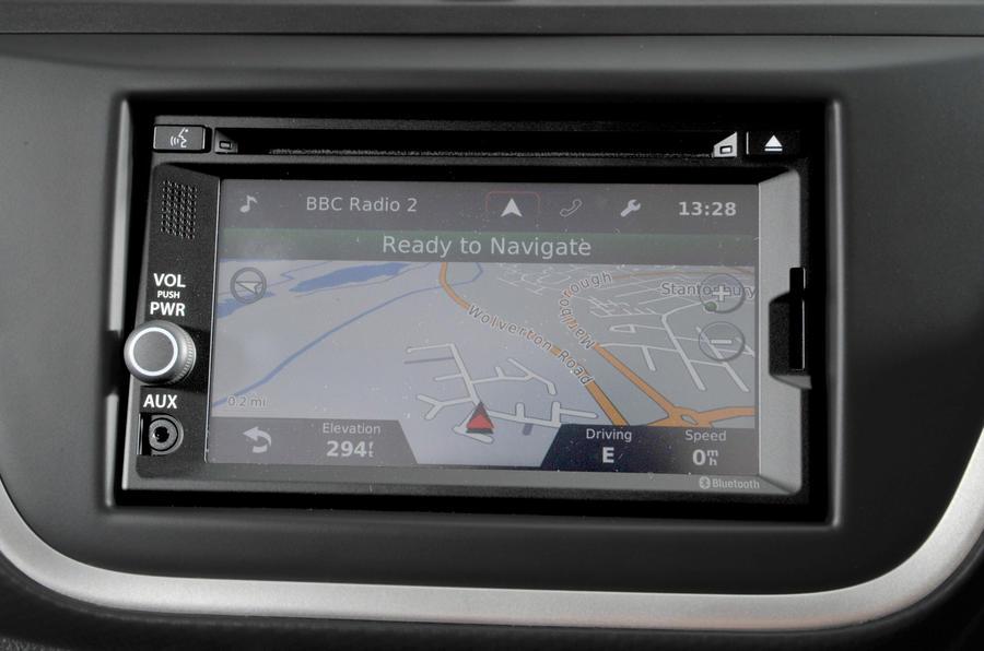 Suzuki SX4 S-Cross infotainment