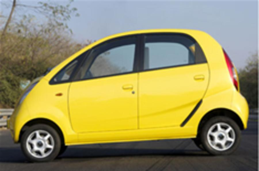 Nanomania overwhelms Indian car market