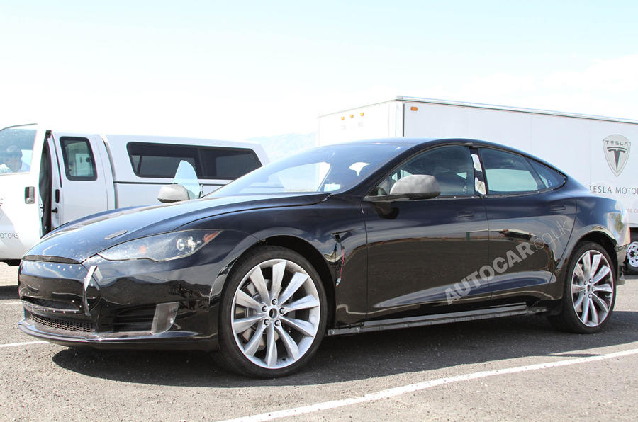 Tesla to honour Model S pricing