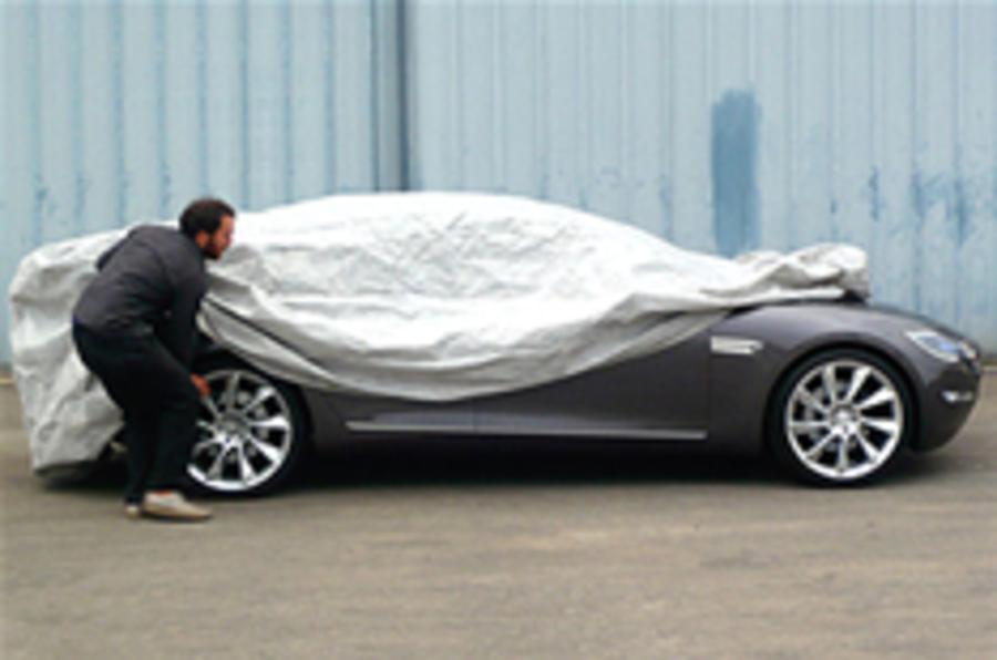 Tesla S saloon sneaks out