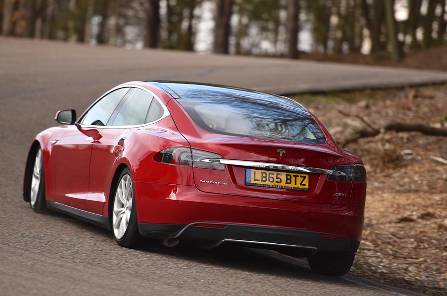 Tesla Model S P90D rear cornering