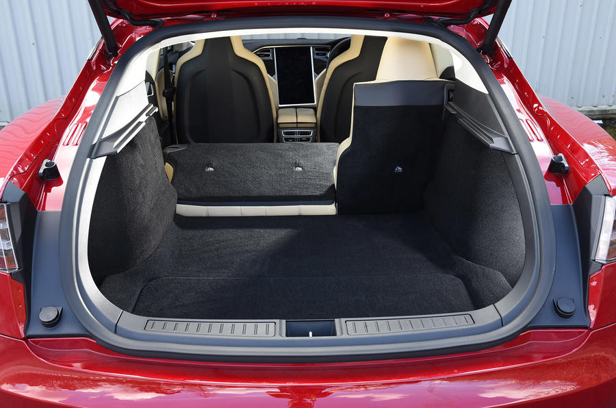 Tesla Model S P90D seating flexibility