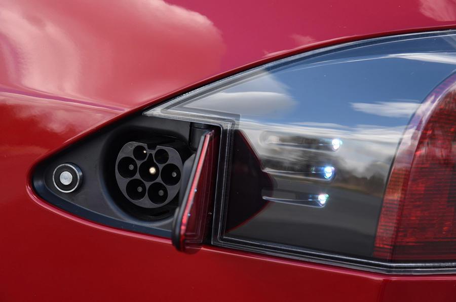 Tesla Model S P90D charging port