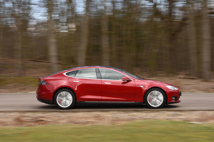 Tesla Model S P90D side profile