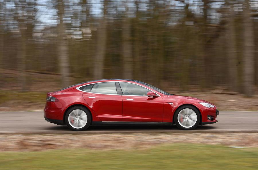 Tesla Model S P90D side profile