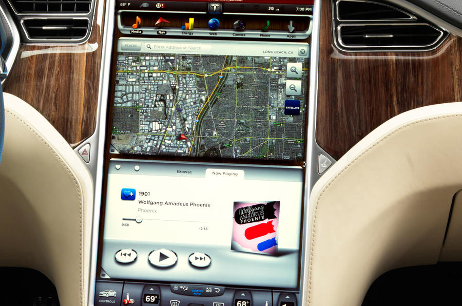 Tesla Model S infotainment