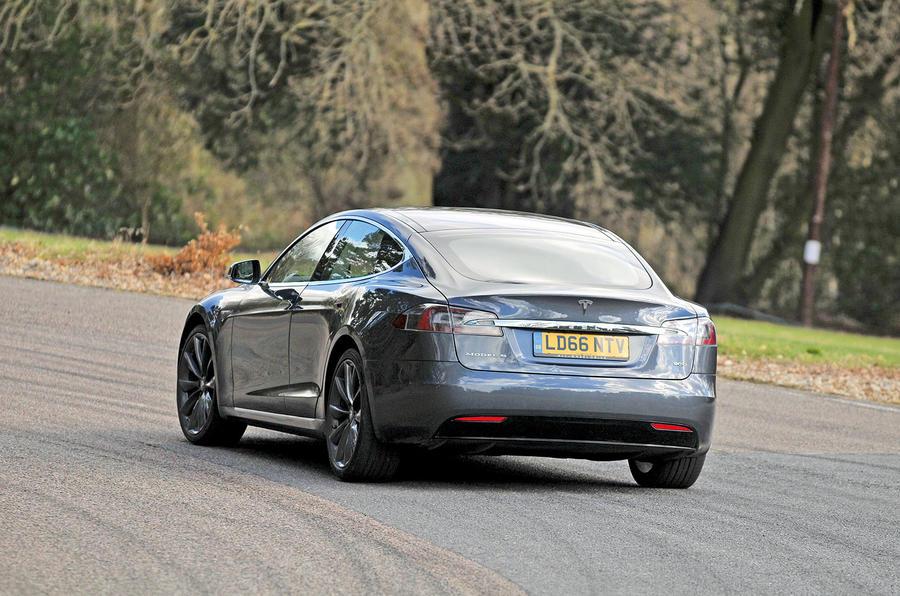 Tesla Model S 95D rear cornering