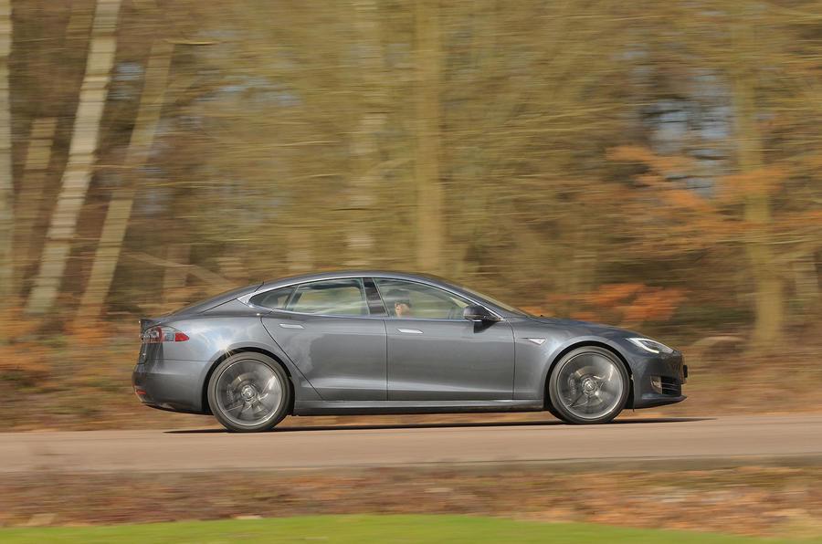 Tesla Model S 95d side profile