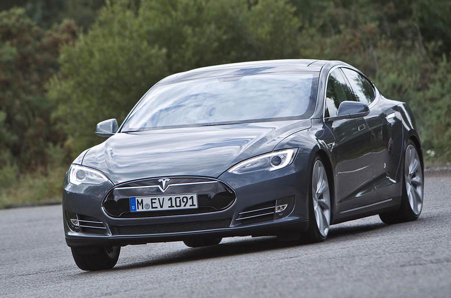 Tesla to launch four-wheel-drive Model S