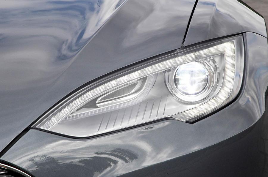 Tesla Model S LED headlights