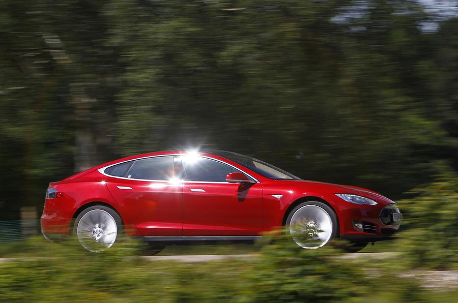 Tesla Model S side profile