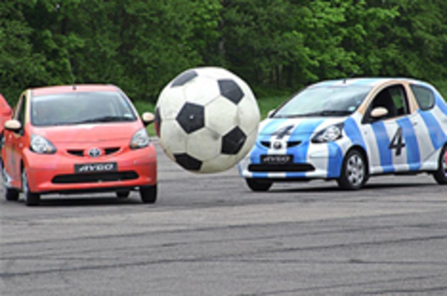 Football fans 'risk road accidents'