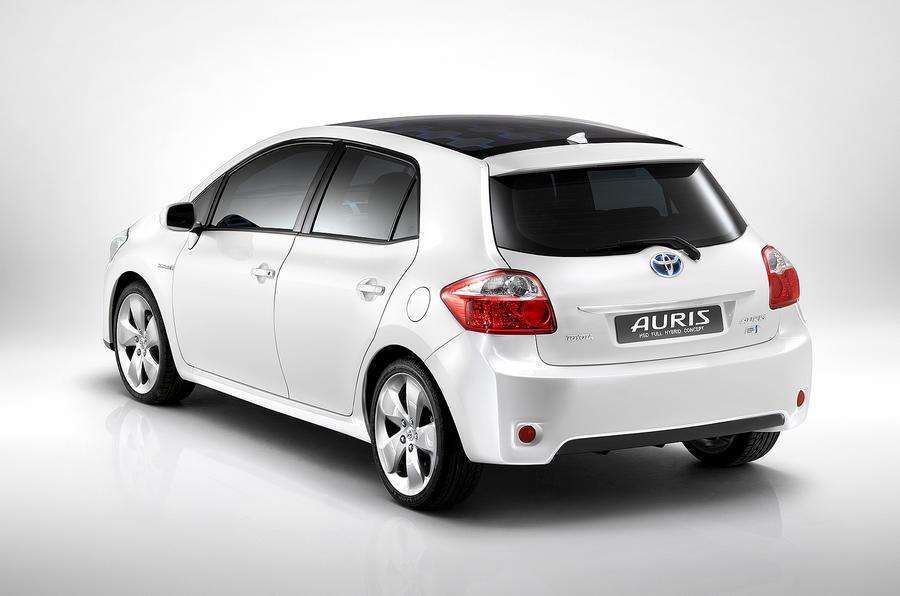 toyota reveals auris hybrid plans autocar. Black Bedroom Furniture Sets. Home Design Ideas