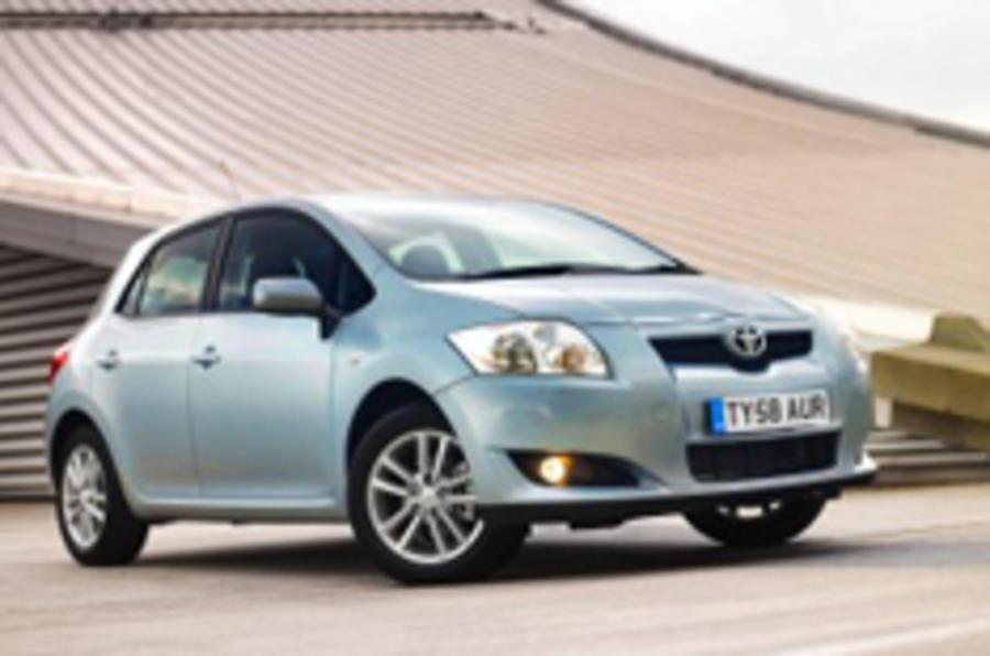 Toyota Auris hybrid for UK
