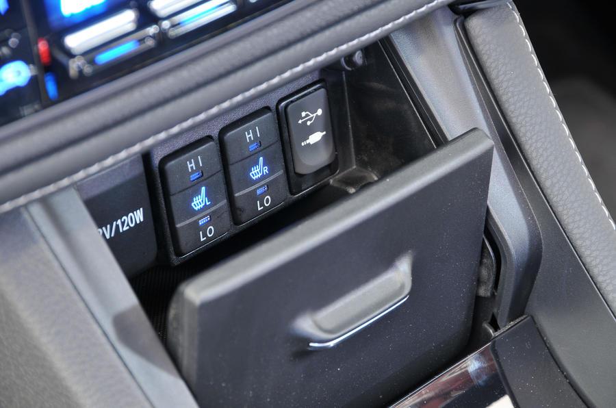 Toyota Auris & Auris Hybrid Review (2019)   Autocar