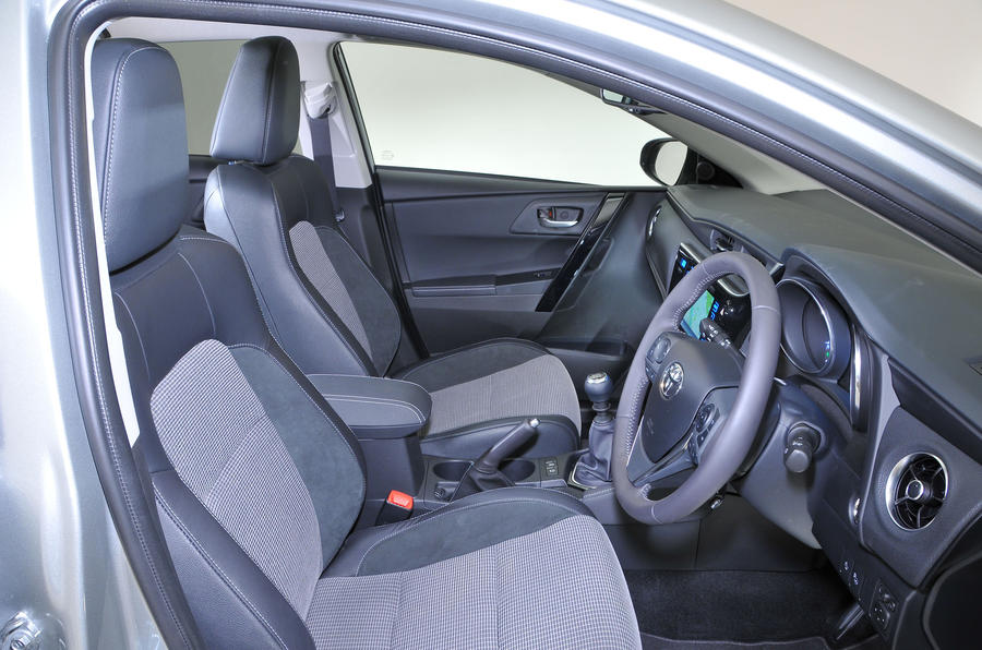 Toyota Auris interior