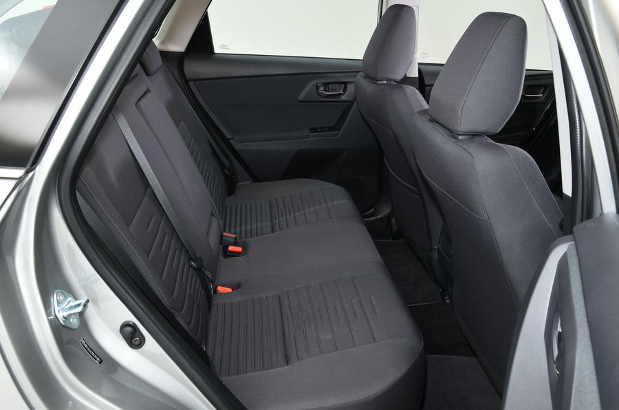 Toyota Auris Touring Sports rear seats