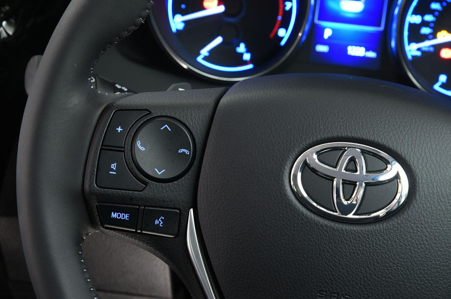 Toyota Auris Touring Sports steering wheel