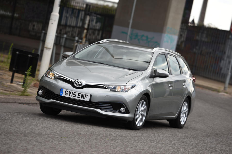 toyota auris touring sports review 2017 autocar. Black Bedroom Furniture Sets. Home Design Ideas