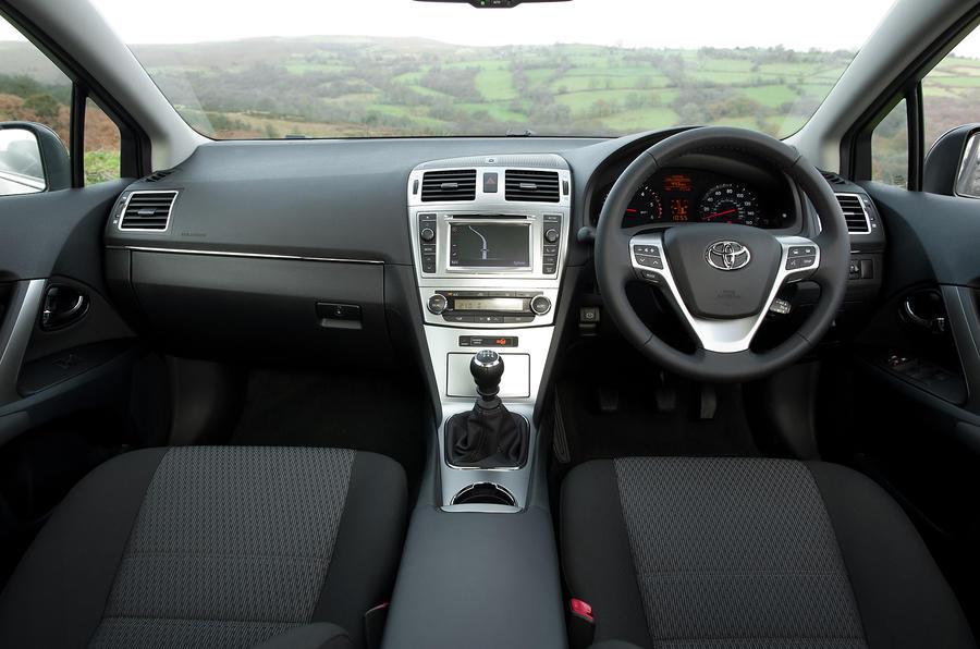 Toyota Avensis dashboard
