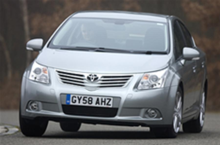 Toyota loses £483m