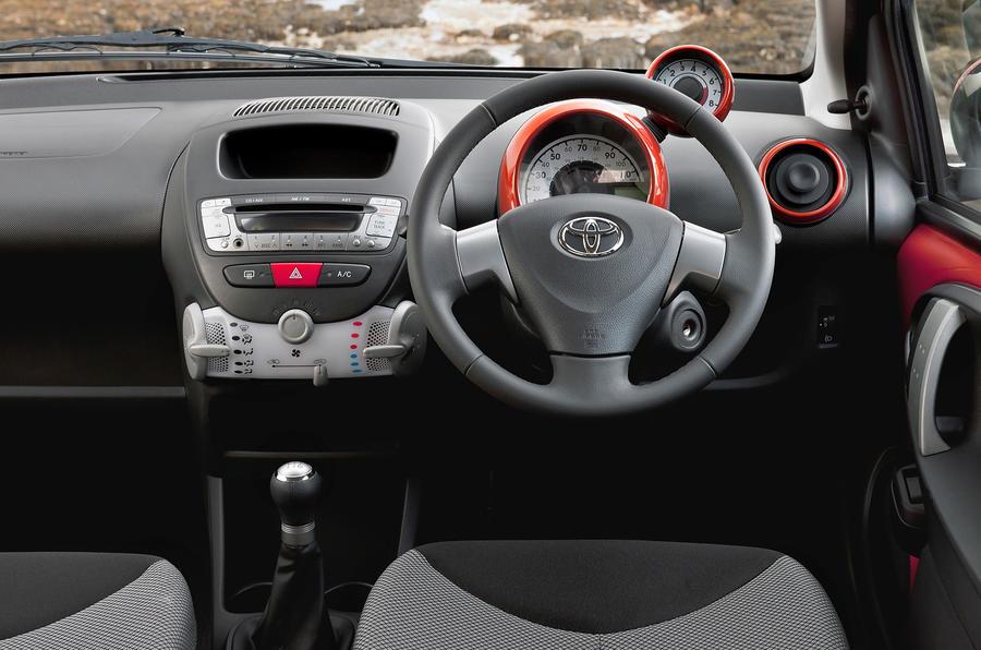 Toyota aygo 2005 2014 review 2017 autocar - Toyota aygo interior ...