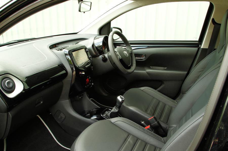 Toyota aygo interior autocar - Toyota aygo interior ...