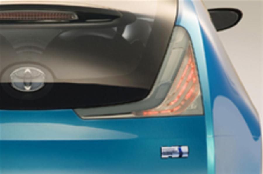 Toyota to push hybrid power at Geneva