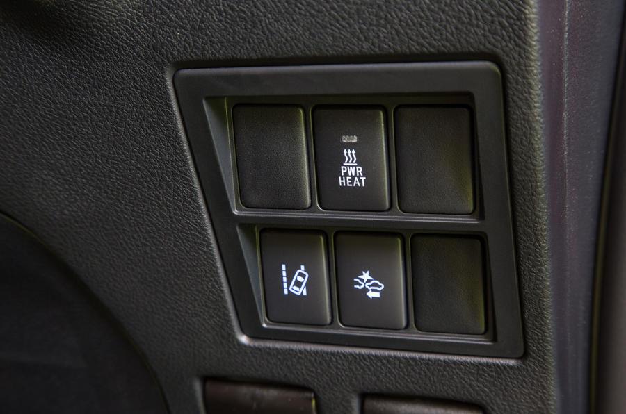 Toyota Hilux switchgear