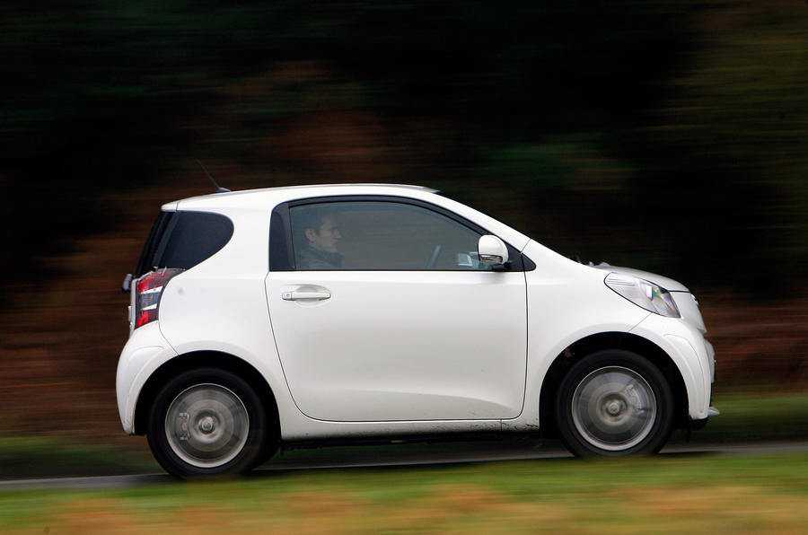 Toyota iQ side profile