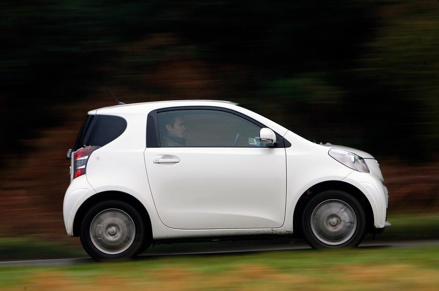 Toyota iQ side profile