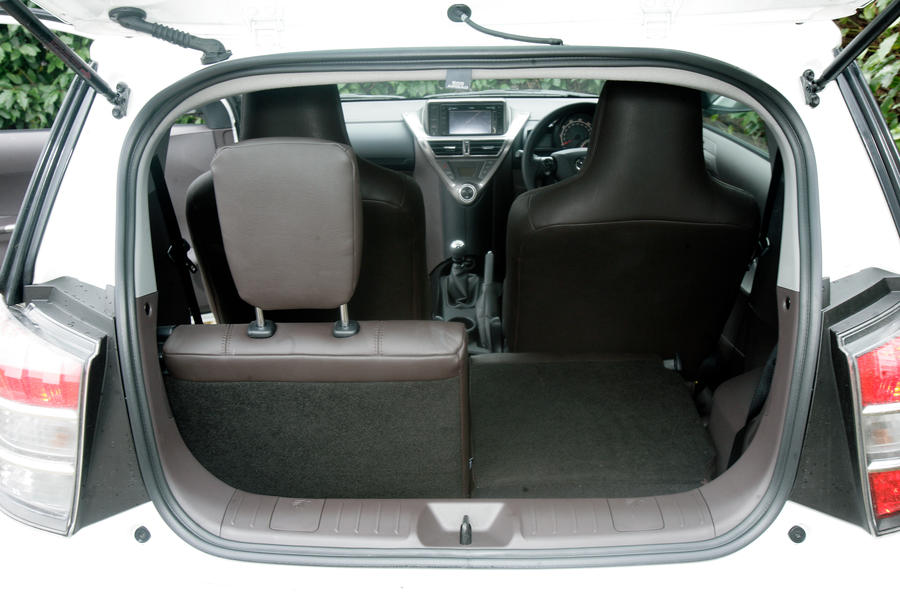 Toyota iQ boot space