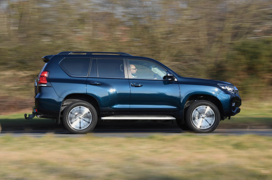... Toyota Land Cruiser 2018 Review On The Road Side