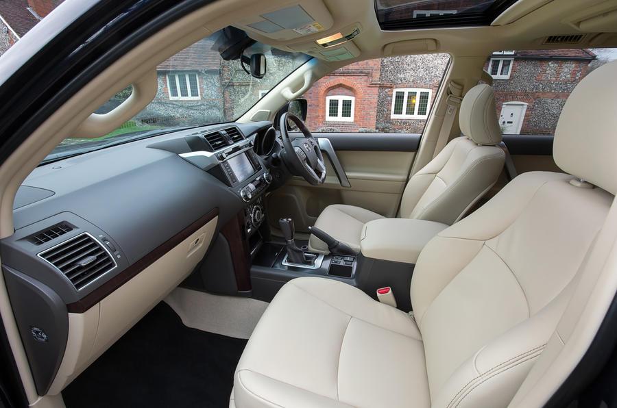 toyota land cruiser 2013 2017 interior autocar rh autocar co uk toyota land cruiser interior 2018 toyota land cruiser interior colors