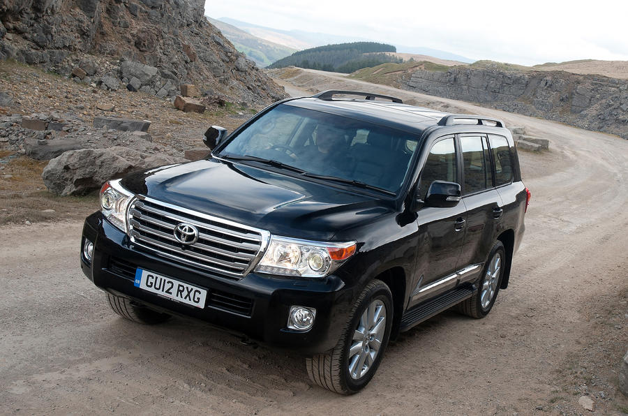 3 star Toyota Land Cruiser V8