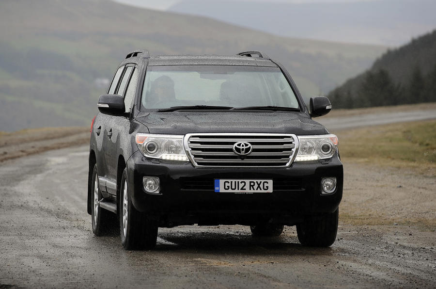 Toyota Land Cruiser V8 ...